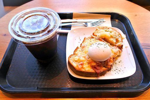 パストラミエッグ&アイスコーヒー