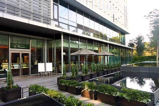東京ガーデンテラス紀尾井町4階テラス
